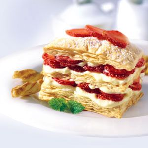 Strawberry Pudding Pastry