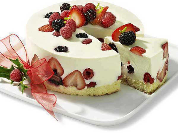 Fresh Fruits Cake